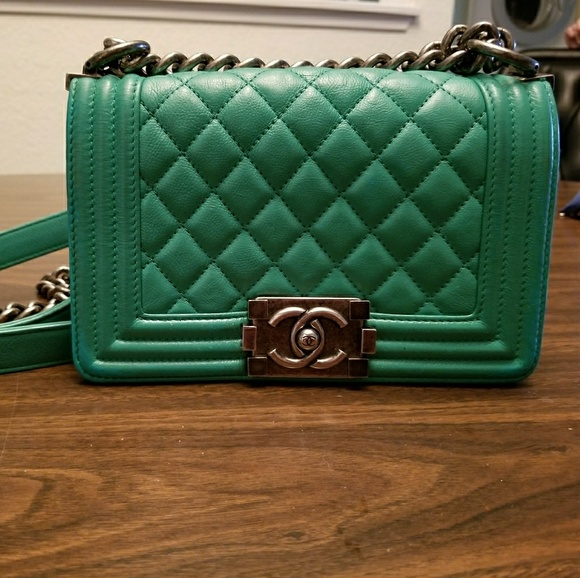 797a2c086a0c CHANEL Handbags - Chanel le boy small lambskin green